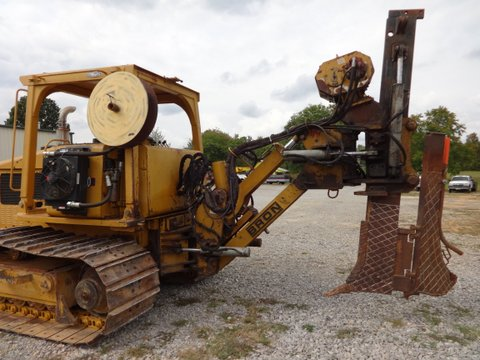 This cable plow is reported in excellent condition.