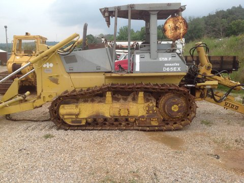 Unit 1215 is a Komatsu D65EX-12 with Bron V-100 and Komatsu D65P-8 with Carco 60 Winch plow train.