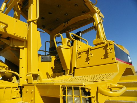 Unit 1218: Cat D8N with Bron HS-II Cable Plow
